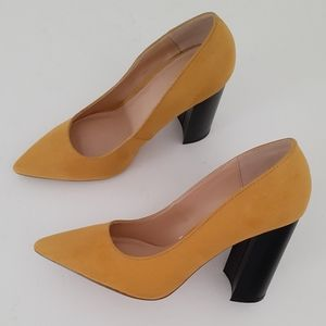 NY&C POINTED STACKED HEEL MUSTARD PUMPS